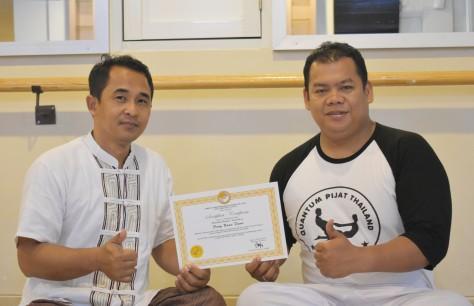 Penyerahan Sertifikat Pelatihan Quantum Pijat Thailand Level 3.